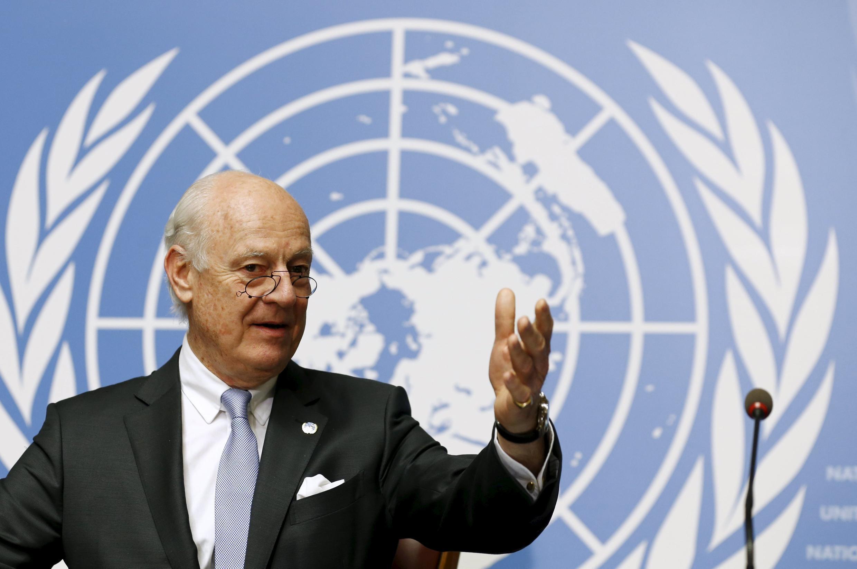 L'envoyé spécial de l'ONU pour la Syrie, Staffan de Mistura, pendant une conférence de presse en marge des pourparlers de paix pour la Syrie, à Genève, le 28 avril 2016.