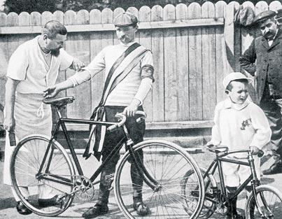 Imagem mostra atleta da primeira edição do Tour de France, em 1903.