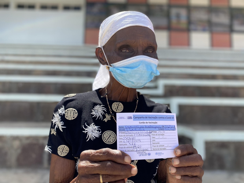 Francelina Rodrigues, de 96 anos, foi vacinada esta quinta-feira.