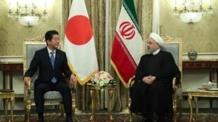 دیدار و گفتگوی شینزو آبه، نخست وزیر ژاپن با حسن روحانی، رئیس جمهوری اسلامی ایران در تهران. چهارشنبه ۲۲ خرداد/ ١٢ ژوئن ٢٠۱٩