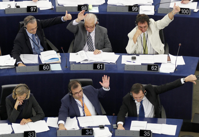 Les eurodéputés ont approuvé en majorité la nouvelle version de l'accord Swift sur les transferts de données bancaires vers les Etats-Unis, le 8 juillet 2010.