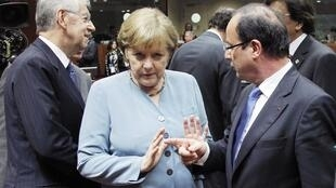 Hollande's ideas to boost growth don't appeal to Merkel