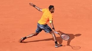 Gael Monfils won his second round match and hailed the Roland Garros crowds for the energy they give him.