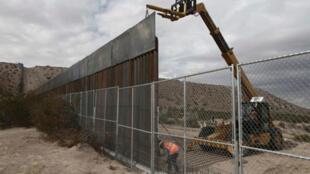 تقویت موانع مرزی آمریکا - مکزیک در برخی نقاط، قبل از دونالد ترامپ آغاز شده بود