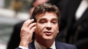 Министр восстановления производства Франции социалист Арно Монтебур