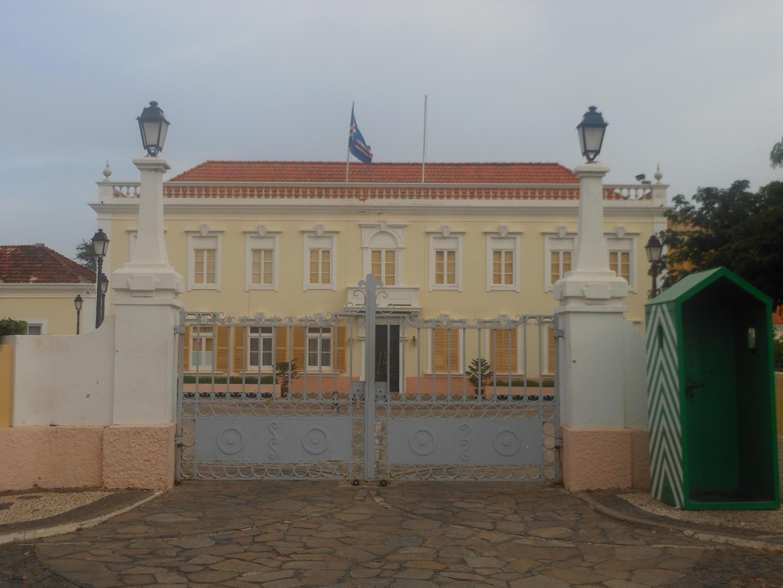 Palácio da Presidência de Cabo Verde, na cidade da Praia. Cabo Verde decidiu iniciar o processo de regularização administrativa dos imigrantes ilegais que residem no país.