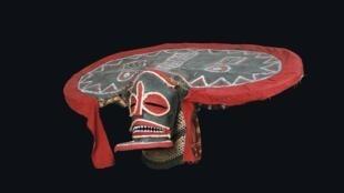 Chihongo mask Chokwe people