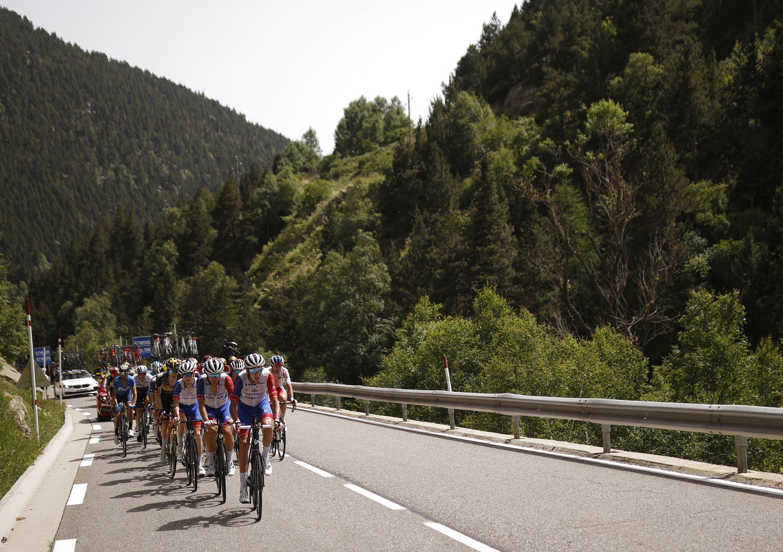 Пятнадцатый этап «Тур де Франс» Сере — Андорра-ла-Велла 11 июля 2021.