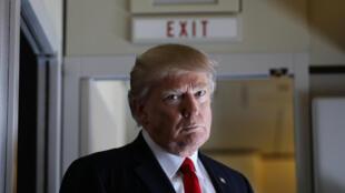 O governo Trump se viu obrigado a reabrir, ao menos por um tempo, as portas do país às pessoas originárias dos países afetados pelo decreto.