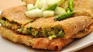 圖為印尼民眾喜愛的食品蛋煎餅