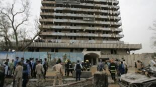 Le bâtiment du gouvernorat après l'attentat à la bombe du 25 octobre 2009.