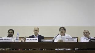 Negociadores do governo e das Farc concluem acordo sobre reforma agrária no domingo 26 de maio de 2013 em Cuba.
