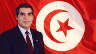 Le président Zine el-Abidine Ben Ali, le 7 novembre 1987, à Tunis.