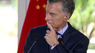 El presidente argentino, Mauricio Macri, afirma que su política de recortes en el gasto público y de ajustes de precios saneará la economía argentina.