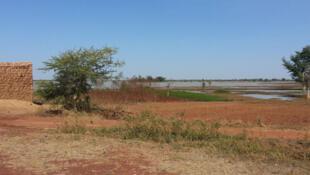 Vue du grand barrage de Goinré à Bogoya.