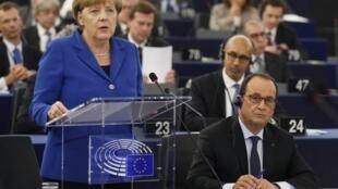 سخنرانی آنگلا مرکل، صدراعظم آلمان، در پارلمان اروپا در شهر استراسبورگ. چهارشنبه ١۵ مهر/ ٧ اکتبر ٢٠١۵