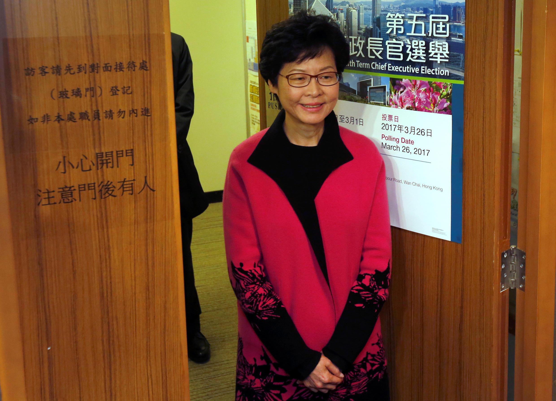 2017年2月28日,前香港特区政府政务司司长林郑月娥提交参选特首提名名单后与媒体见面。