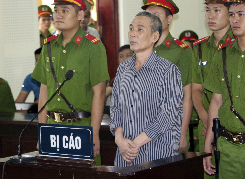 Vietnam Procès Dissident AP18228355078910