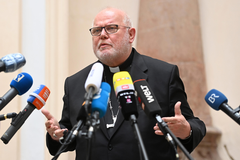 El cardenal Reinhard Marx durante una rueda de prensa en Múnich, Alemania, el 4 de junio de 2021