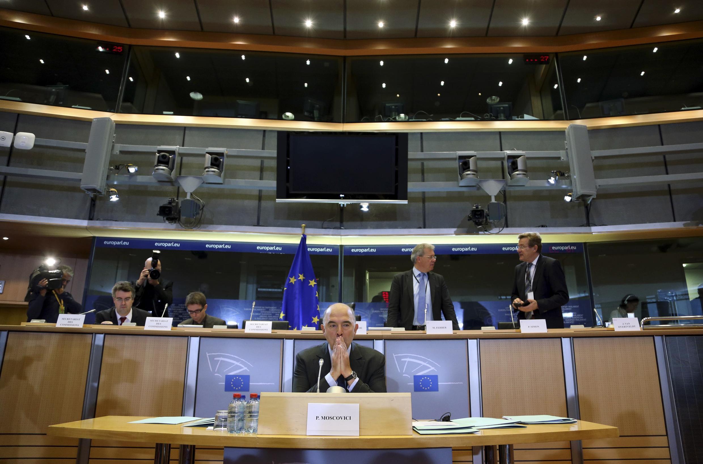 Pierre Moscovici est auditionné pour son titre de commissaire européen au Parlement européen de Bruxelles, le 2 octobre 2014.