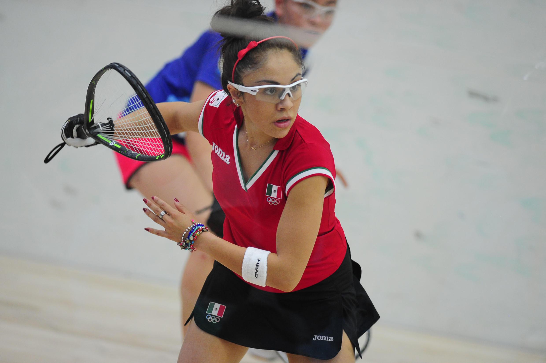 Paola Longoria se destaca en un deporte poco común pero que cada día tiene más adeptos.