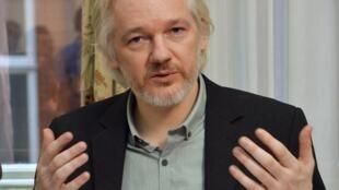 Julian Assange, fondadeur de WikiLeaks à l'ambassade d'Equateur à Londres, le 18 août 2014. (Photo d'archives)