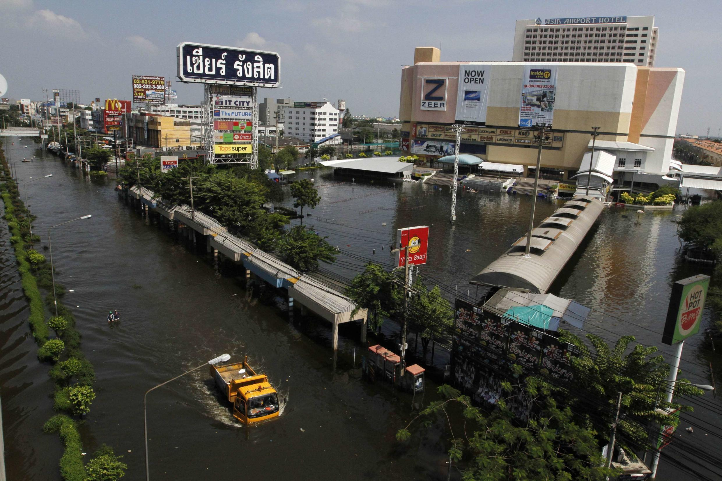 A view of a flooded street in Don Meuang district in Bangkok October 23, 2011.