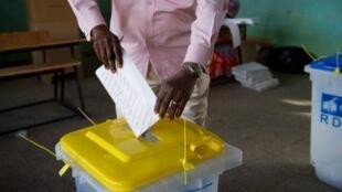 Opération de vote à Lubumbashi, en RDC, novembre 2011.