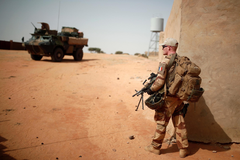 Французский солдат получил тяжелые ранения при взрыве мины в Мали 7 декабря