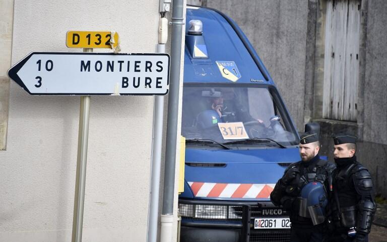 Gendarmes near Bure