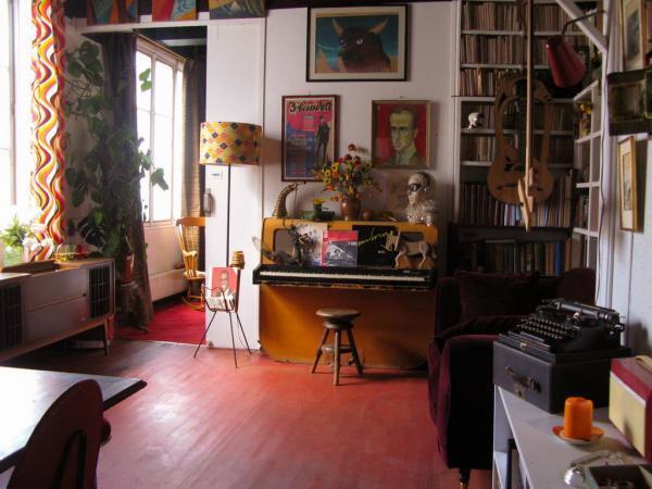 Salon de l'appartement de Boris Vian à Pigalle, Paris. Avec l'autorisation de la Cohérie Boris Vian.
