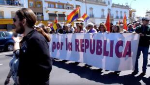 Protesto nas ruas de Seville pedindo o fim da monarquia em 14 de abril de 2018