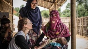 Los Rohingyas continúan viviendo en condiciones que afectan su salud física y mental.