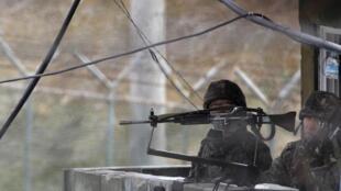 Quan hệ liên Triều trở nên căng thẳng sau vụ nổ mìn ở biên giới làm 2 quân nhân Hàn Quốc bị thương - REUTERS /Kim Hong-Ji