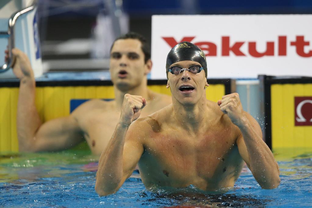 César Cielo é campeão mundial dos 100m nado livre no Mundial de Natação em Piscina Curta em Doha.