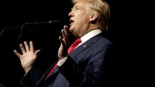 Le candidat républicain à la présidentielle Donald Trump, ce jeudi 13 octobre 2016, en meeting en Floride.