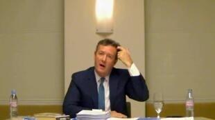 Piers Morgan a eu des trous de mémoire lors de sa vidéoconférence du 20 décembre 2011.