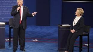 Donald Trump na jam'iyyar Republican da Missis Hillary Clinton ta Democrat.
