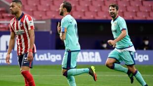 Le milieu Jose Luis Morales (c) a ouvert le score pour Levante lors du match de Liga sur le terrain de l'Atlético de Madrid, le 20 février 2021