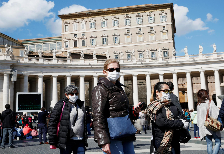 Туристы в Ватикане. 09.03.2020