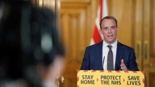 Ngoại trưởng Dominic Raab trong buổi họp báo về dịch virus corona. Luân Đôn ngày 29/04/2020.