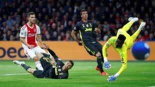 Cristiano Ronaldo ghi bàn cho câu lạc bộ Ý Juventus Torino trước câu lạc bộ Hà Lan Ajax Amsterdam trên sân Johan Cruijff Arena ngày 10/04/2019. Đây là trân tứ kết, lượt đi, Cúp C1 Châu Âu. Tỷ số chung cuộc là 1-1 .