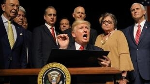 Donald Trump, no dia 16 de junho de 2017 em Miami, durante o anúncio do fim da reaproximação entre Cuba e os Estados Unidos.