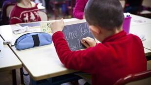C этого года школьное образование во Франции обязательно для детей с трех лет