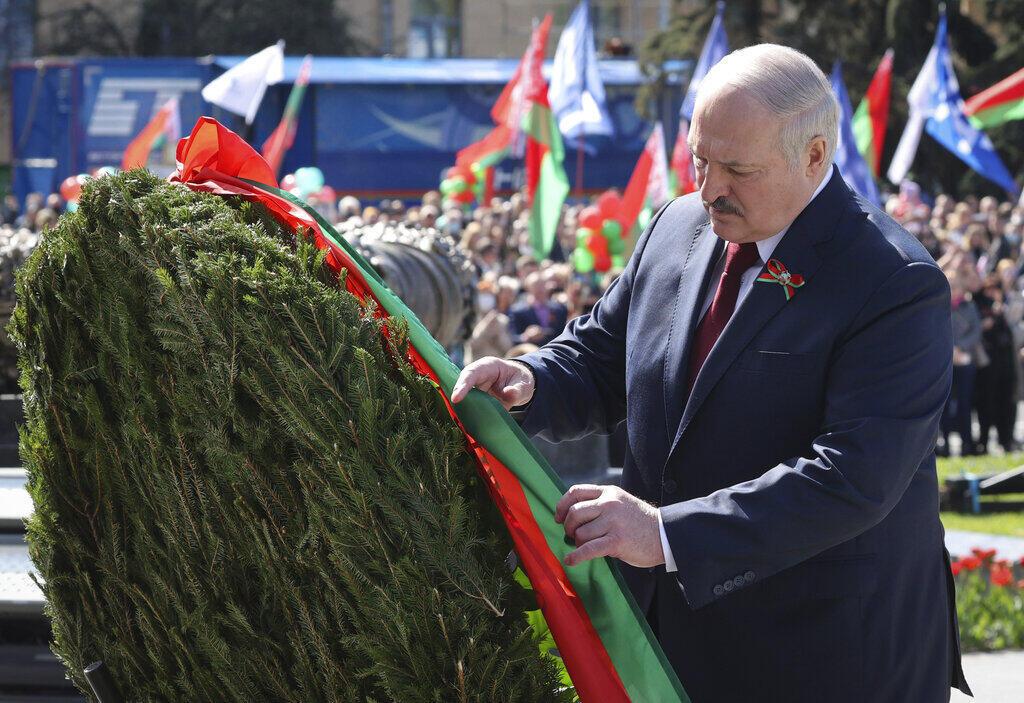 Александр Лукашенко во время празднования Дня Победы в Минске