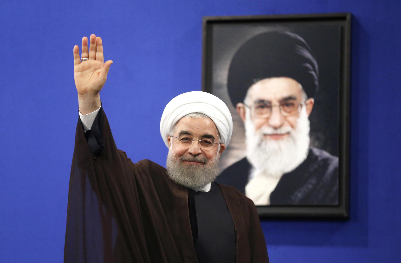 Le président réélu Hassan Rohani après son discours à la télévision d'Etat, à Téhéran, le 20 mai 2017.
