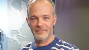 Brontis Jodorowsky en los estudios de RFI.