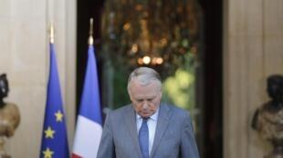 Primeiro-ministro francês, Jean-Marc Ayrault, em coletiva de imprensa no Palácio de Matignon nesta segunda-feira, 2 de setembro de 2013.