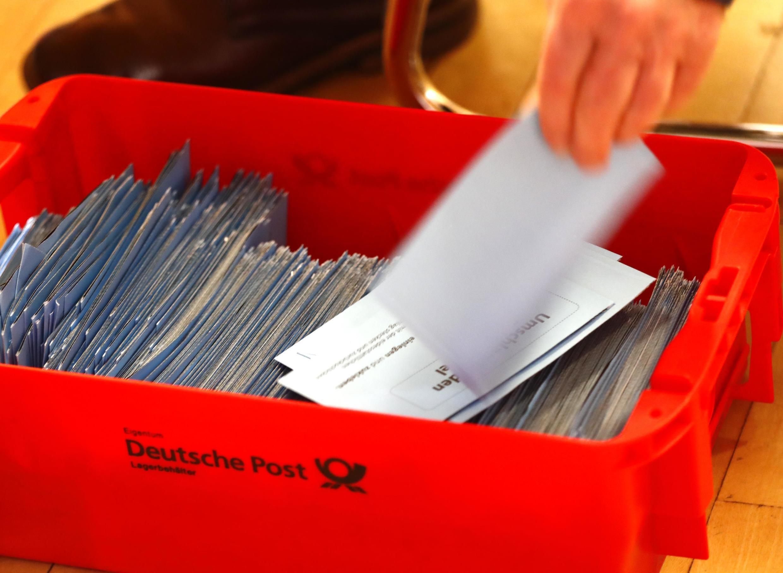 Des bulletins de votes en vue de la coalition entre le SPD et la CDU, le parti chrétien démocrate, le 3 mars 2018.