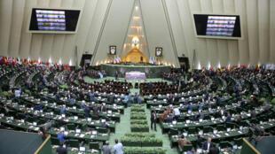 Quốc Hội Iran tháng 08/2017 bỏ phiếu tăng ngân sách phát triển tên lửa